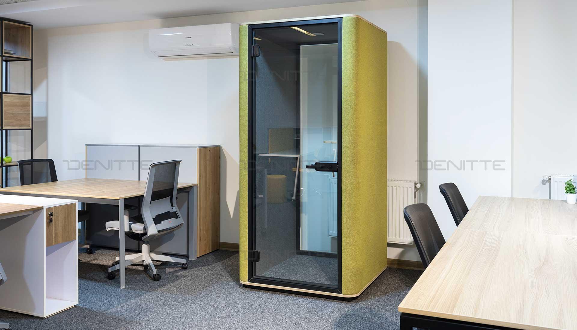 اتاق آکوستیک تلفن در فضای کار اشتراکی