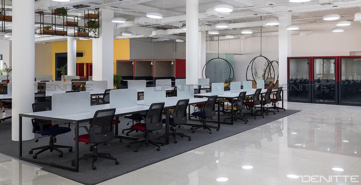 میز اداری مدرن در پروژه پارک فناوری پردیس